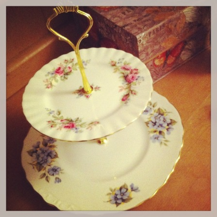 Mismatched vintage cake stand © The House of Jones